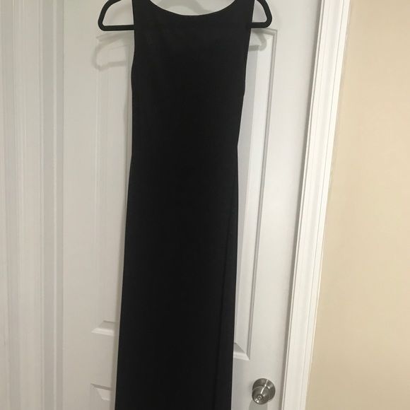 Laundry By Shelli Segal Dresses & Skirts - Gently used black Laundry gown.